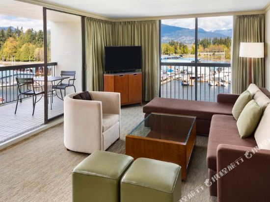 海柏温哥華威斯汀酒店(The Westin Bayshore Vancouver)大型灣景特大床一卧套房(夏威夷式陽台,帶沙發床)
