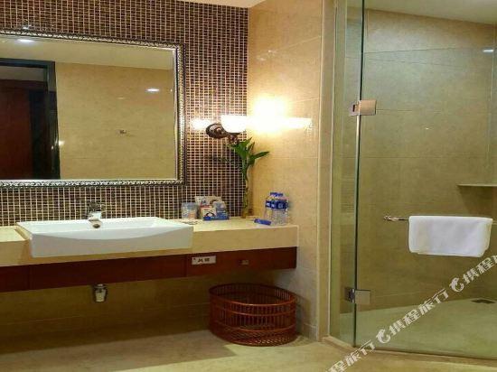 中山江畔商務酒店(Riverside Business Hotel)江景大床房