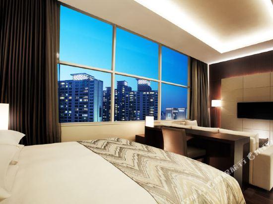 首爾喜來登帕拉斯江南酒店(Sheraton Seoul Palace Gangnam Hotel)尊尚行政特大床套房