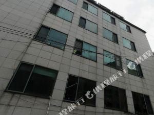 首爾東方7號公寓(Oriental Apartment 7 Seoul)