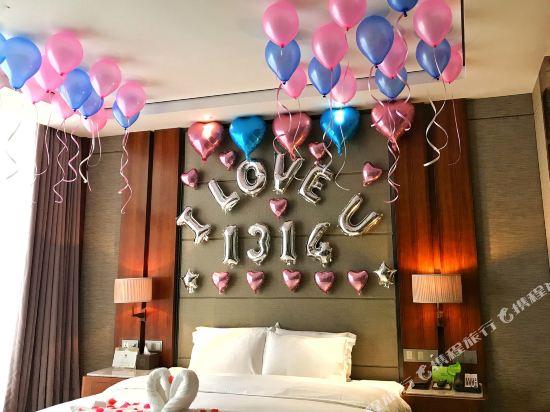珠海棕泉水療酒店(Palm Spring Hotel)浪漫布置房