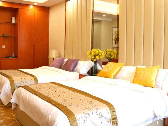 中山富業假日酒店(原榮光假日酒店)(Fuyue Holiday Hotel)至尊雙床房