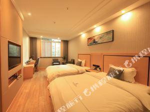米易龍陽麗景酒店