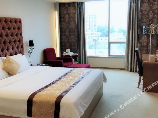 廣州馬會酒店(Jockey Club Hotel)豪華大床房