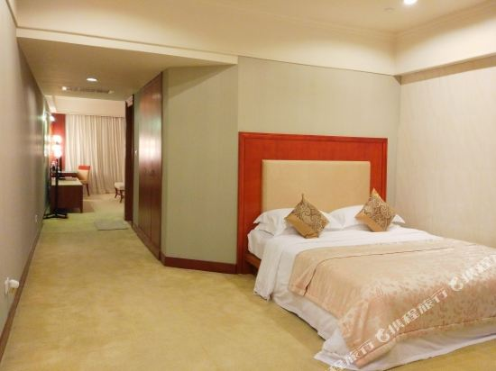 中山雅居樂長江酒店(Agile Changjiang Hotel)高爾夫景觀家庭房