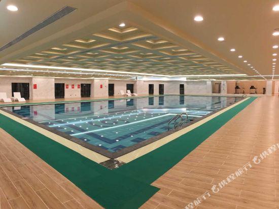 東莞曼佧特國際大酒店(Malachite Hotel)室內游泳池