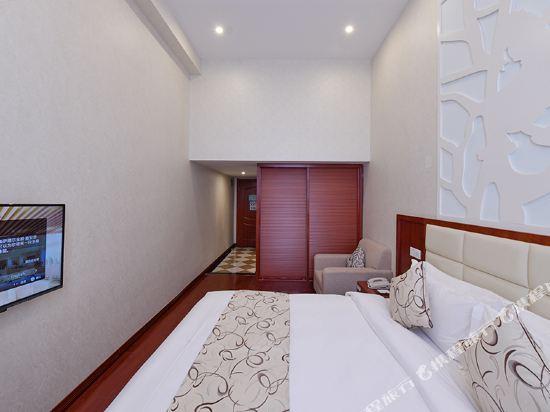 薩維爾金爵·鹿安酒店(上海國際旅遊度假區浦東機場店)(Savile Knight Lu'an Hotel (Shanghai International Tourism and Resorts Zone Pudong Airport))高級大床房