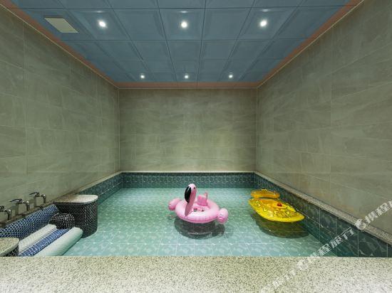 諾克拉米亞酒店(Notte La Mia)室內游泳池
