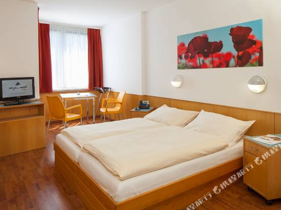 維也納第二快捷酒店