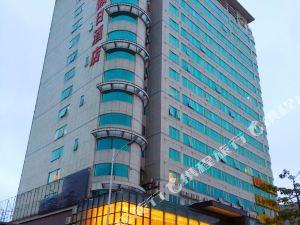 珠海金冠假日酒店(Jinguan Holiday Hotel)