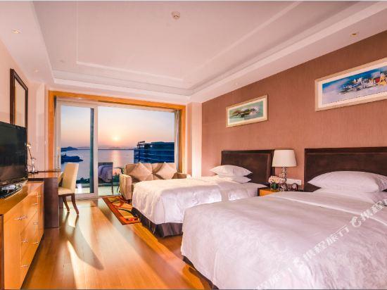 千島湖綠城度假酒店(1000 Island Lake Greentown Resort Hotel)5號樓湖景標準雙床房