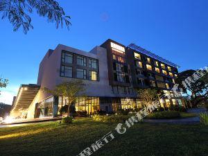 美多利賭場酒店(Midori Clark Hotel and Casino)