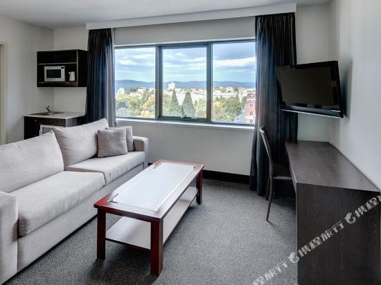 霍巴特旅行者酒店(Travelodge Hotel Hobart)行政大床房