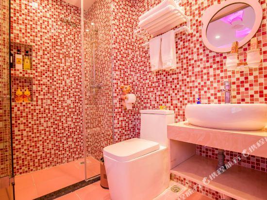 鮮住精品主題酒店(廣州野生動物園店)(原大石地鐵站店)(Xianzhu Boutique Theme Hotel (Guangzhou Wildlife Zoo))KT滑梯三床房