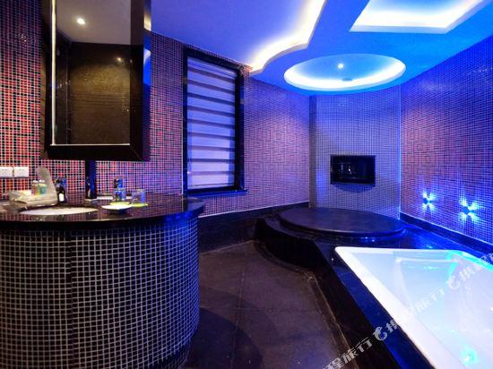 麥新格精品酒店(上海國際旅遊度假區浦東機場川沙店)(Maixin'ge Boutique Hotel (Shanghai International Tourism Resort Pudong Airport Chuansha))浪漫圓床房