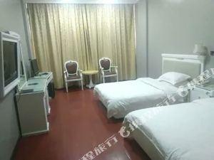 白雲大酒店(邵東汽車西站工業品市場店)