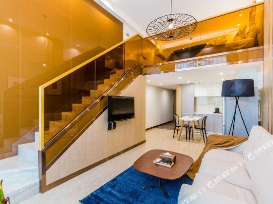 SA漢谷藝術主題公寓(廣州珠江新城店)(SAHangu Art Themed Apartment)趣舍·精緻城景雙床房