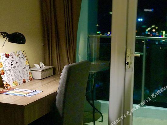 芭堤雅T酒店(T Pattaya Hotel)行政套房