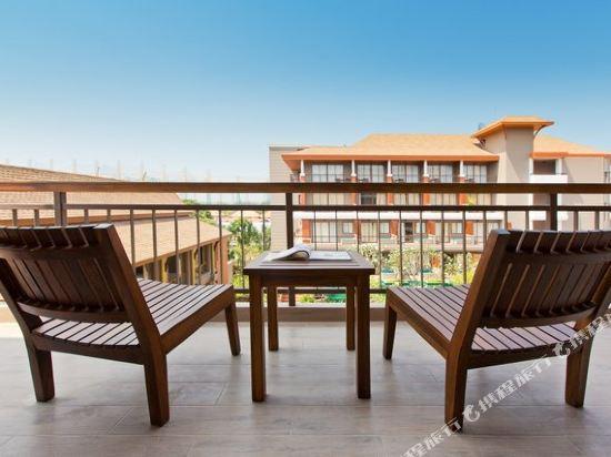 艾瑞斯華欣酒店(Ayrest Hua Hin Hotel)頂級豪華房池景