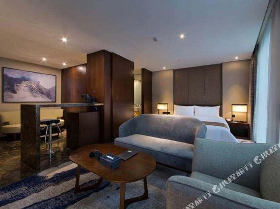 中濠精緻酒店(西鄉大道店)(Bbhol Elegant Hotel (Xixiang Avenue))輕奢套房