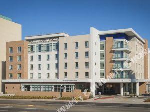 拉克斯埃爾塞貢多歡朋套房酒店(Hampton Inn & Suites LAX El Segundo)