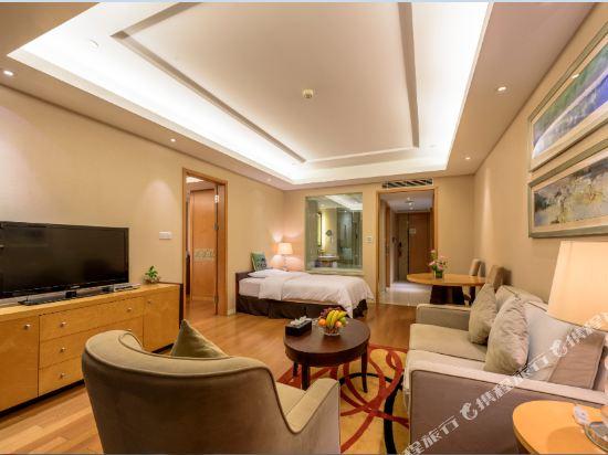 千島湖綠城度假酒店(1000 Island Lake Greentown Resort Hotel)5號樓園景親子套