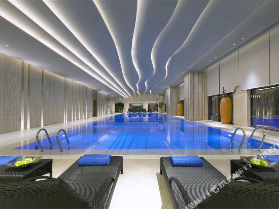 東莞萬達文華酒店(Wanda Vista Dongguan)室內游泳池