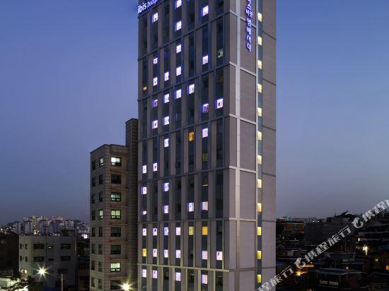 首爾東大門大使宜必思快捷酒店(Ibis Budget Ambassador Seoul Dongdaemun)外觀
