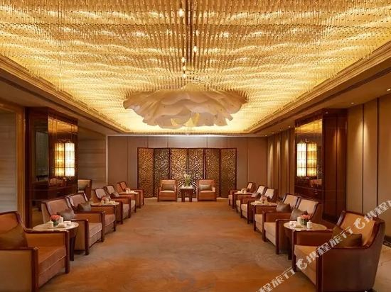 世紀星連鎖艾尚酒店(佛山國際傢俱城店)(Aishang Hotel (Foshan International Furniture City))會議室