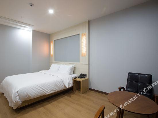 諾克拉米亞酒店(Notte La Mia)標準大床房
