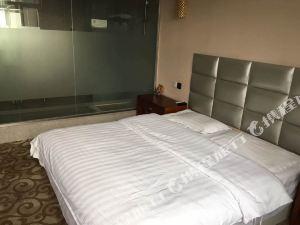 扎魯特旗沁原商務酒店