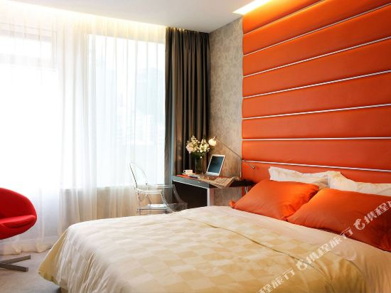 香港麗悅酒店(Cosmo Hotel)高級房