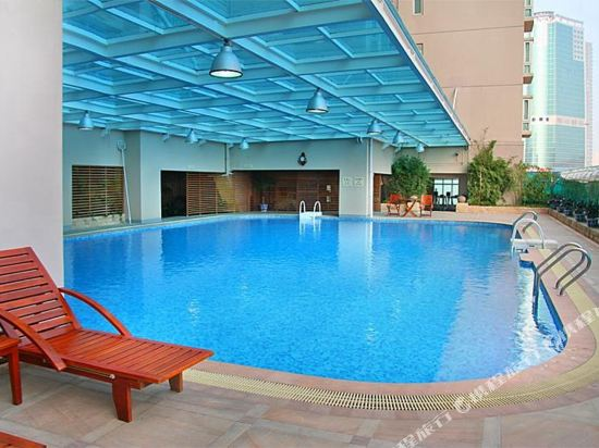 深圳999丹楓白露酒店(999 Royal Suites & TowersShenzhen)室外游泳池