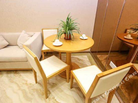 伊蓮·薩維爾國際酒店公寓(廣州珠江新城店)豪華套房兩房一廳