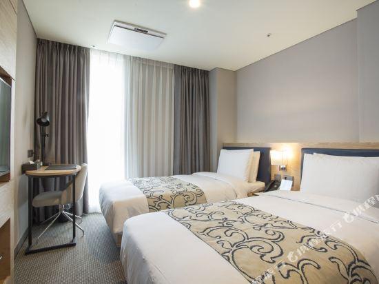 森圖姆尚品酒店(Centum Premier Hotel)高級雙床房