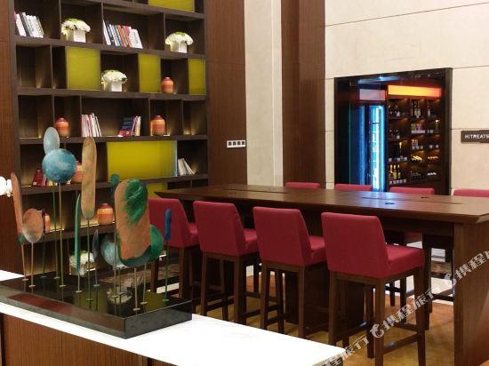 深圳阪田希爾頓歡朋酒店(Hampton by Hilton Shenzhen Bantian)商務中心