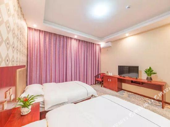 昆明伴山境悅觀景酒店(Ban Shan Jin Yue Guan Jing Jiu Dian)陽光舒適雙床房