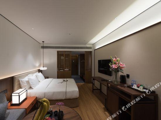 佛山順德美的總部華軒裏酒店(H'ELite Hotel)行政大床房