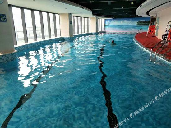 中山南朗希爾頓歡朋酒店(Hampton by Hilton Zhongshan Nanlang)室內游泳池