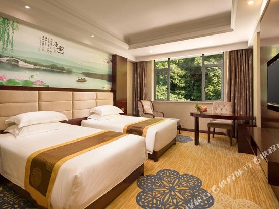 New West Street Hotel (Yangshuo Yitian West Street)
