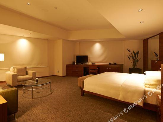 東京君悅酒店(Grand Hyatt Tokyo)俱樂部豪華特大床轉角房
