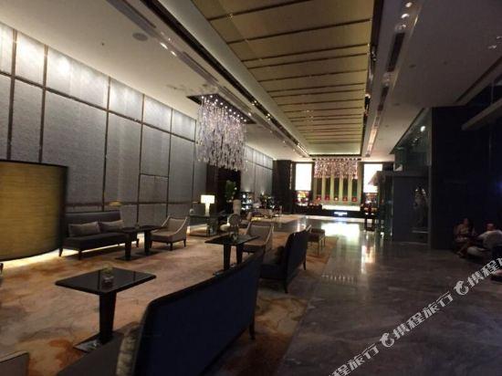 香港麗思卡爾頓酒店(The Ritz-Carlton Hong Kong)大堂吧