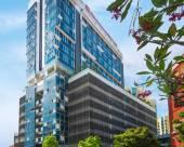 新加坡實龍崗希爾頓花園酒店