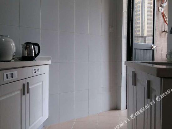 Q加·泰萊童趣主題公寓(珠海橫琴海洋王國店)(Q+ Tailai Tongqu Theme Apartment (Zhuhai Chimelong Ocean Kingdom))園景兩房一廳一衞