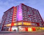 安吉利斯紅酒店