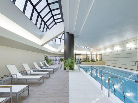 東京希爾頓酒店(Hilton Tokyo Hotel)室內游泳池