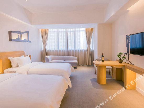 喜悅門酒店(佛山樂從傢俱城店)(Ceramik Hotel (Foshan Lecong Furniture City))豪華雙床房