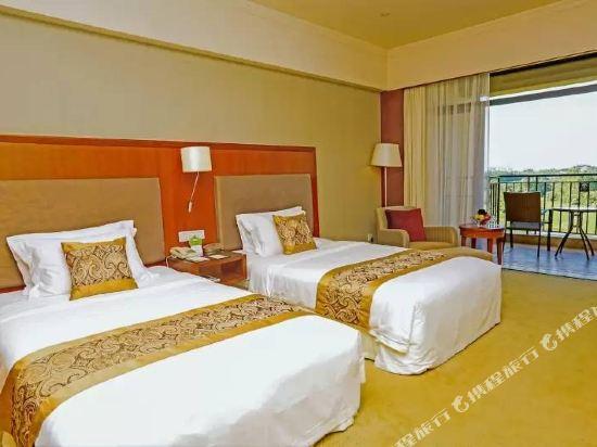中山雅居樂長江酒店(Agile Changjiang Hotel)高爾夫景觀豪華雙床房