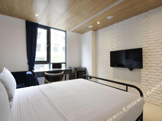 台中愛戀旅店(Amour Hotel)豪華雙人房