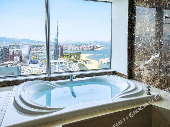 福岡海鷹希爾頓酒店(Hilton Fukuoka Sea Hawk)豪華行政雙床套房